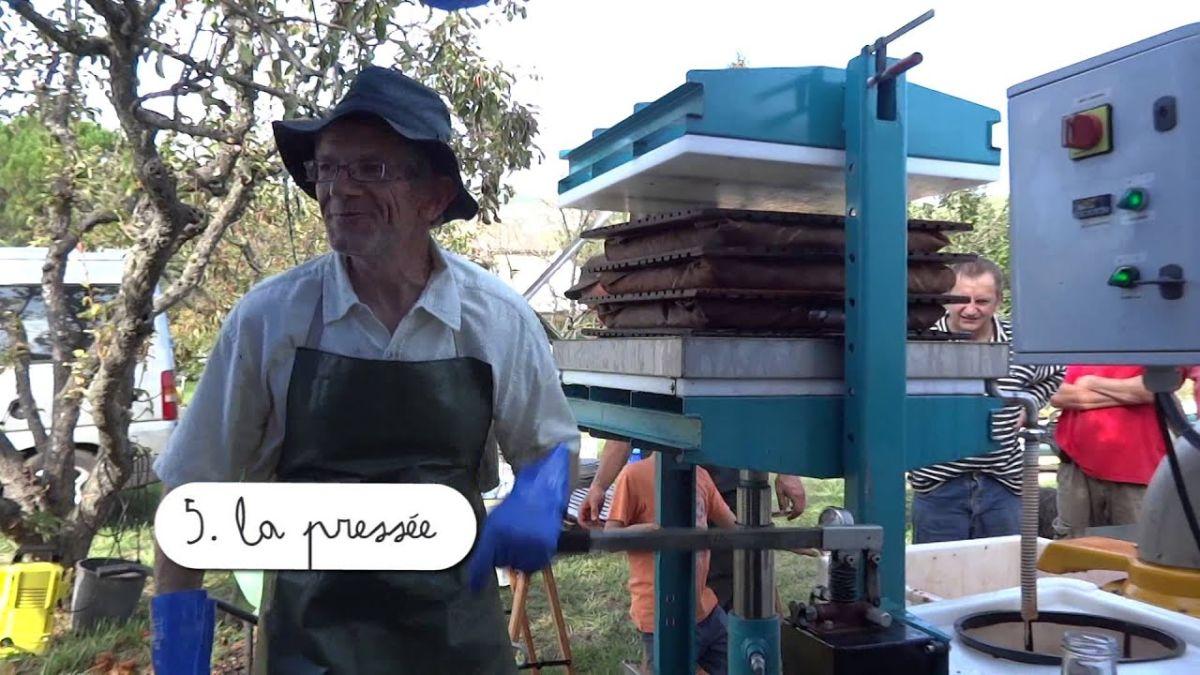 Journée presse de jus de fruits au jardin des Phacélies